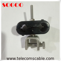China Reliable Wind Loaded Fiber Optic Cable Clamp With 3 Stack Hanger Rubber Sleeve factory